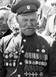 ГЕРОЙ ПЕРВОЙ И ВТОРОЙ МИРОВОЙ ВОЙНЫ - в свои 52 лично ликвидировал в кущенской 70 фашистов