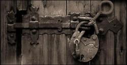 ТОЛЬКО С ВОЗРАСТОМ НАЧИНАЕШЬ ПОНИМАТЬ, - что не во всё закрытые двери надо стучаться, а в открытые заходить