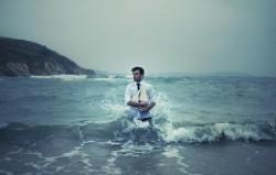 Входя дважды в одну и ту же воду, -  не забывайте о том, что заставило вас выйти оттуда в первый раз!