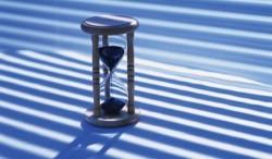 Пока ты убиваешь время - -  время убивает тебя.